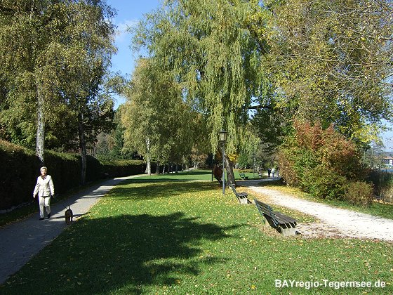 Park am Tegernsee-Ufer in Bad Wiessee